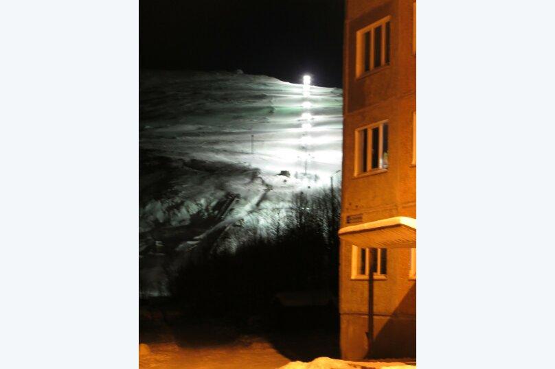 2-комн. квартира, 45 кв.м. на 4 человека, 50 лет октября, 35, Кировск - Фотография 11