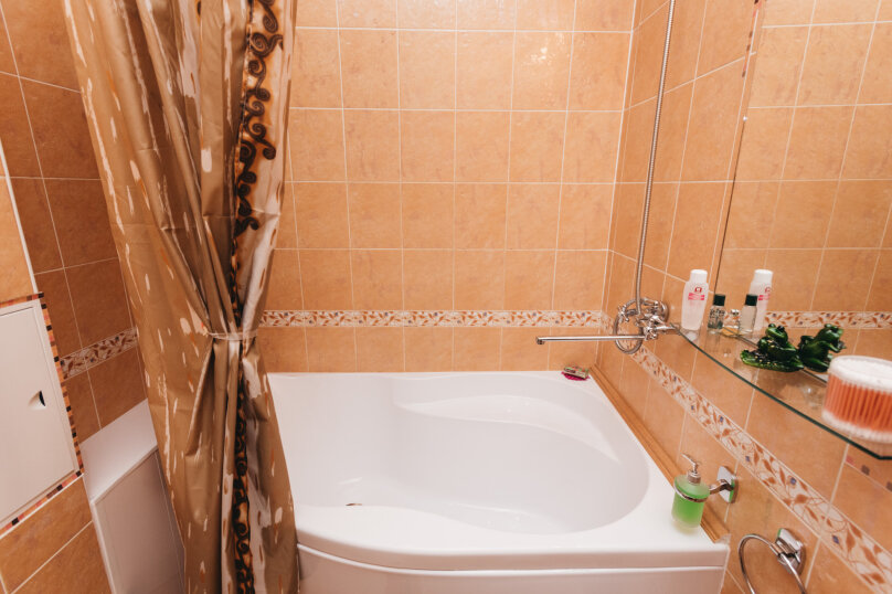 2-комн. квартира, 79 кв.м. на 5 человек, улица Малышева, 4Б, Екатеринбург - Фотография 17