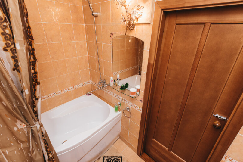 2-комн. квартира, 79 кв.м. на 5 человек, улица Малышева, 4Б, Екатеринбург - Фотография 21