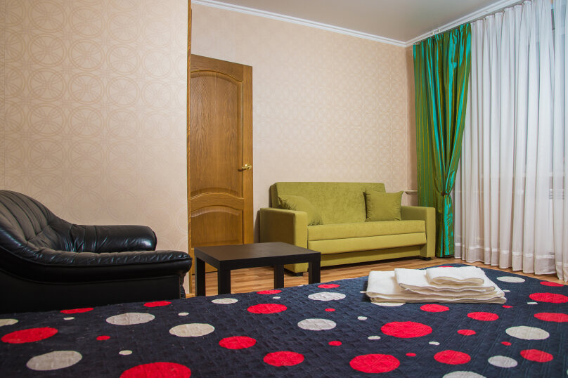 1-комн. квартира, 40 кв.м. на 4 человека, улица Сибгата Хакима, 5А, Казань - Фотография 1
