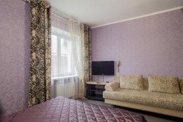 Мини-отель, улица Жуковского, 4 на 23 номера - Фотография 1