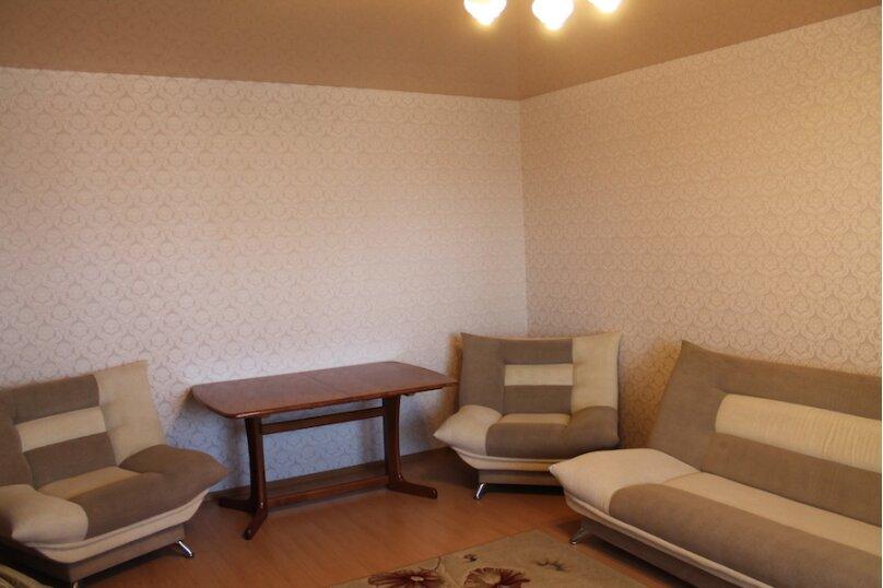 2-комн. квартира, 75 кв.м. на 6 человек, улица Малыгина, 4, Тюмень - Фотография 4