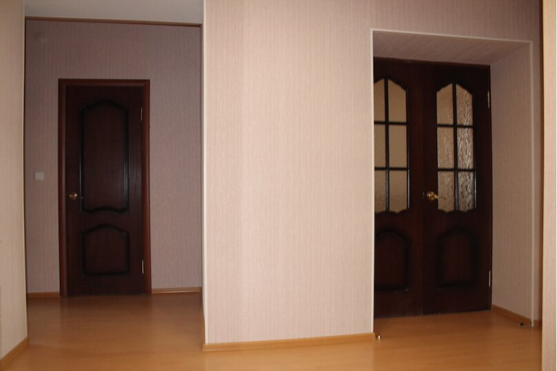 2-комн. квартира, 75 кв.м. на 6 человек, улица Малыгина, 4, Тюмень - Фотография 5