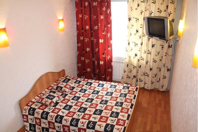 2-комн. квартира, 65 кв.м. на 4 человека, улица Седова, 55, Тюмень - Фотография 2