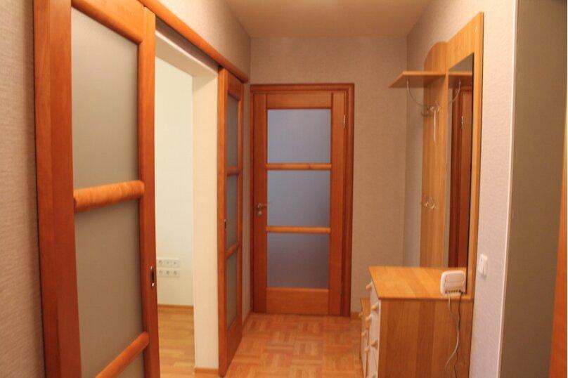2-комн. квартира, 65 кв.м. на 4 человека, улица Седова, 55, Тюмень - Фотография 5