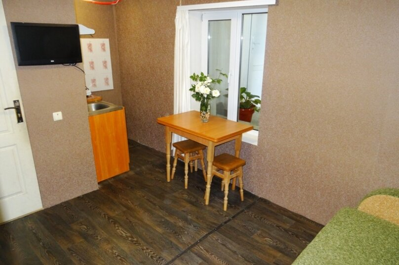 2х-этажный 2х-комнатный с отдельным входом, Таврическая, 10, Алушта - Фотография 1