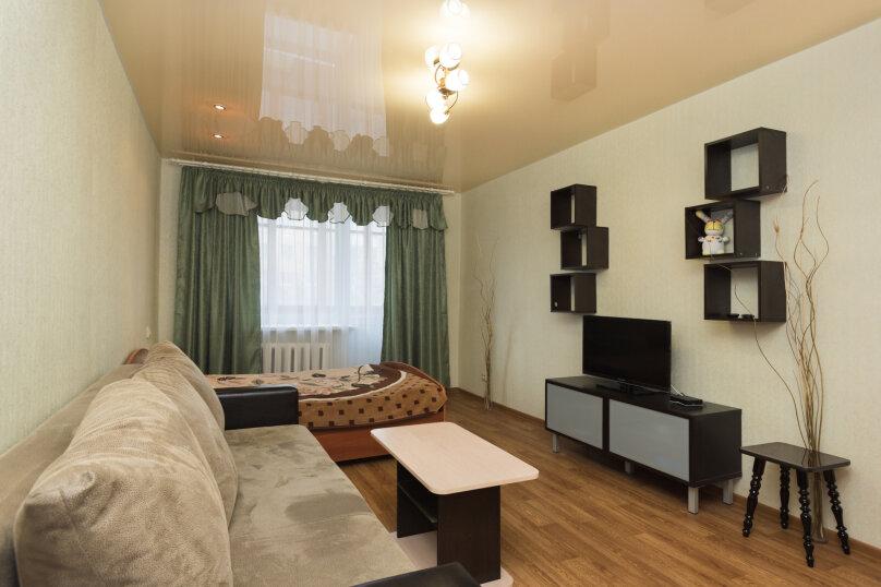 1-комн. квартира, 33 кв.м. на 4 человека, улица Крауля, 4, Екатеринбург - Фотография 1