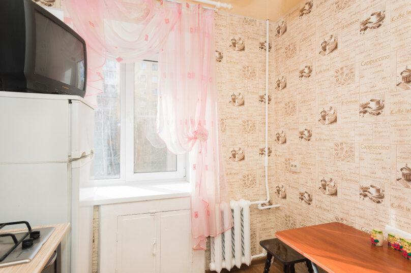 1-комн. квартира, 33 кв.м. на 4 человека, улица Крауля, 4, Екатеринбург - Фотография 4