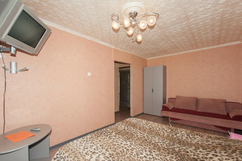 1-комн. квартира, 33 кв.м. на 4 человека, улица Азина, 39, Екатеринбург - Фотография 2