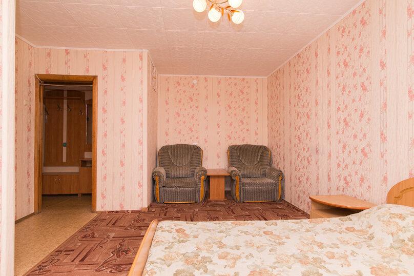 1-комн. квартира, 33 кв.м. на 4 человека, улица Малышева, 104, Екатеринбург - Фотография 2