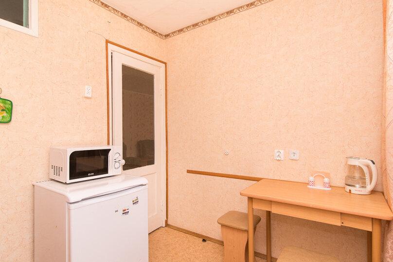 1-комн. квартира, 33 кв.м. на 4 человека, улица Малышева, 104, Екатеринбург - Фотография 7