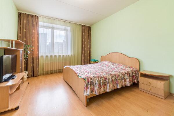 1-комн. квартира, 38 кв.м. на 4 человека, Июльская улица, 25, Екатеринбург - Фотография 1