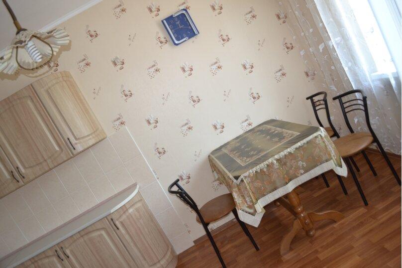 Дом с двором и местом для автомобиля , 65 кв.м. на 4 человека, 2 спальни, Больничная улица, 40, Евпатория - Фотография 4