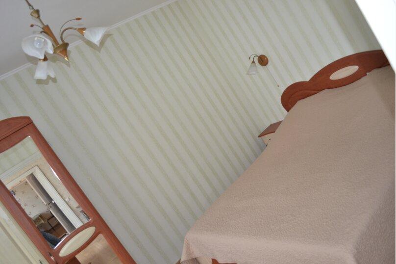 Дом с двором и местом для автомобиля , 65 кв.м. на 4 человека, 2 спальни, Больничная улица, 40, Евпатория - Фотография 5