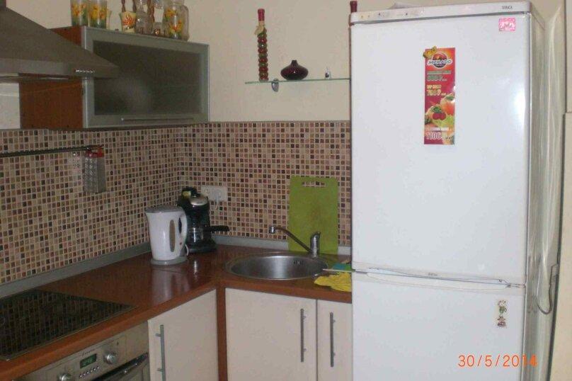 2-комн. квартира, 48 кв.м. на 6 человек, улица Звездова, 107, Омск - Фотография 2