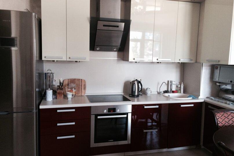 2-комн. квартира, 50 кв.м. на 6 человек, улица Маршала Жукова, 65, Омск - Фотография 2