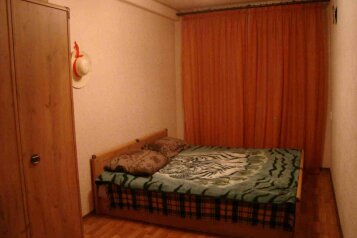 2-комн. квартира, 50 кв.м. на 6 человек, улица Маршала Жукова, 65, Омск - Фотография 3