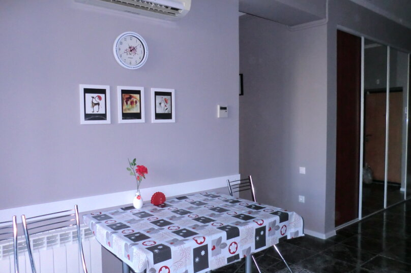 2-комн. квартира, 67 кв.м. на 4 человека, Интернациональная , 3/1, Адлер - Фотография 2