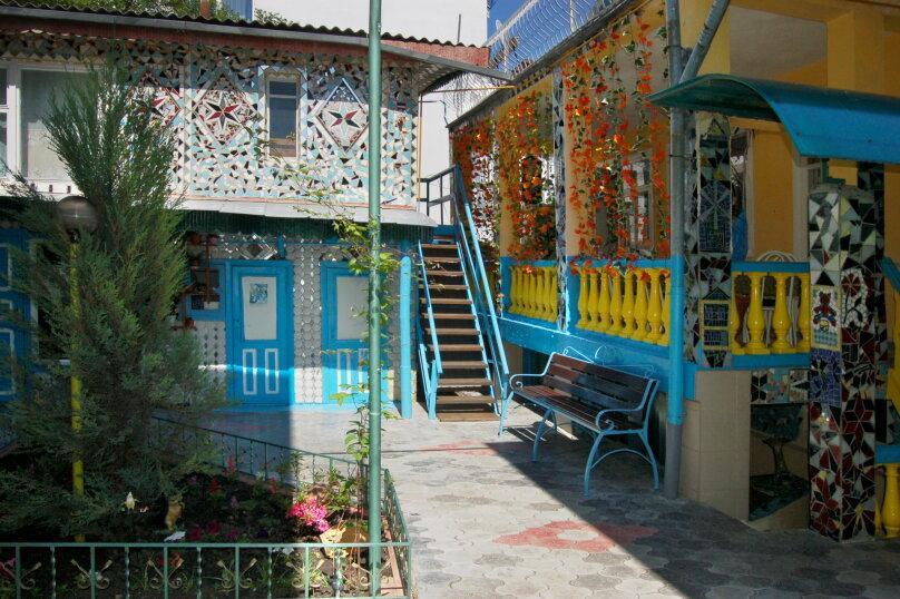"""Гостевой дом """"Фаина"""", улица Новороссийская, 33 на 10 комнат - Фотография 2"""