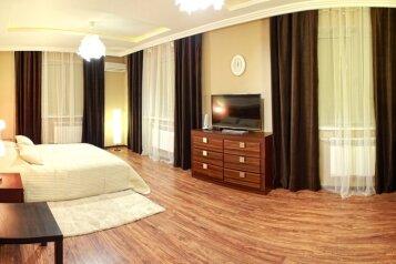 Элитный дом с бассейном и сауной, центр Севастополя, 300 кв.м. на 8 человек, 5 спален, Артиллеристов, 97, Севастополь - Фотография 3