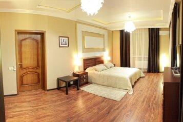 Элитный дом с бассейном и сауной, центр Севастополя, 300 кв.м. на 8 человек, 5 спален, Артиллеристов, 97, Севастополь - Фотография 4