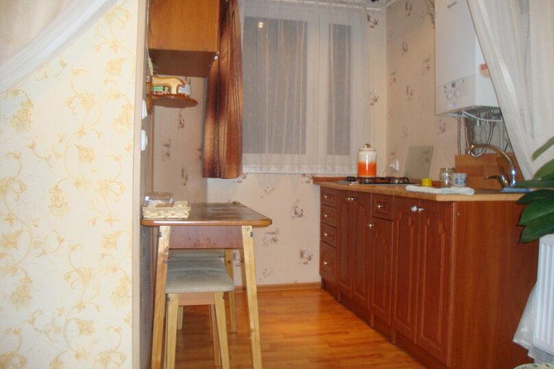 2-комн. квартира, 35 кв.м. на 4 человека, улица Багликова, 12, Алушта - Фотография 2