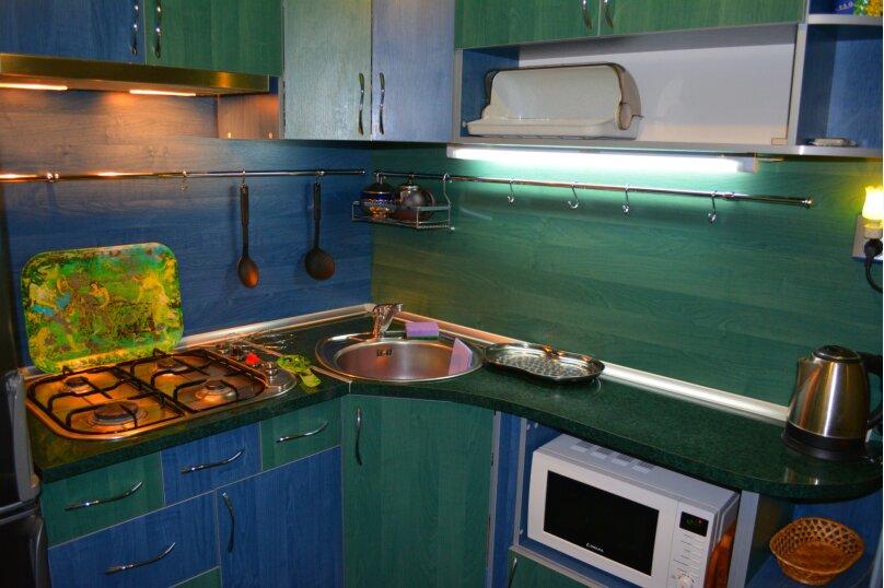 2-комн. квартира, 47 кв.м. на 4 человека, улица Сурикова, 6, Алупка - Фотография 1