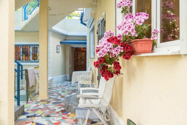 Дом с садом у самого Черного моря, 180 кв.м. на...