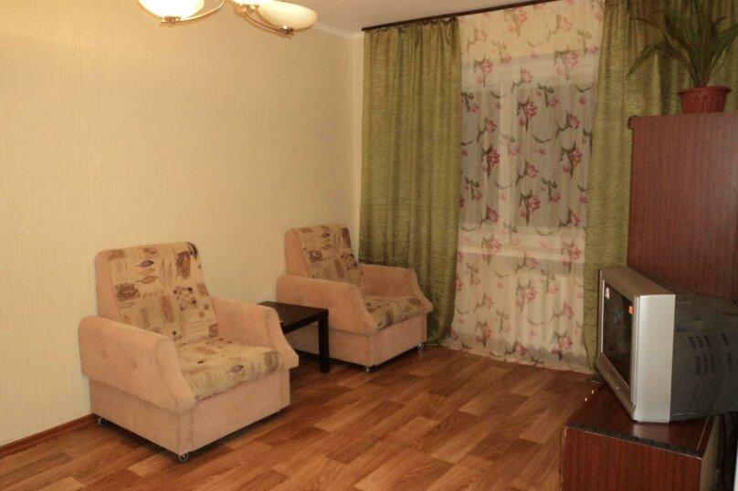 1-комн. квартира, 30 кв.м. на 3 человека, улица Блюхера, 31, Новосибирск - Фотография 1