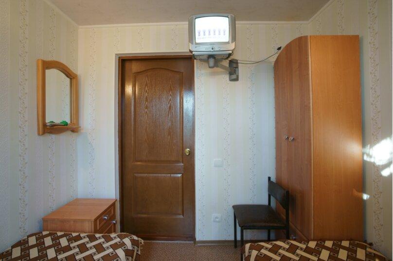 """Гостевой дом """"У Елены"""", Крымская улица, 1 на 3 комнаты - Фотография 6"""