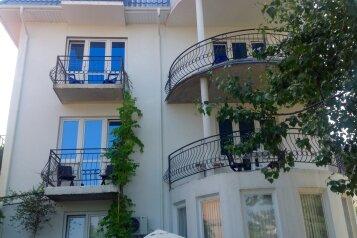 Гостевые комнаты, улица Тормахова на 12 номеров - Фотография 1