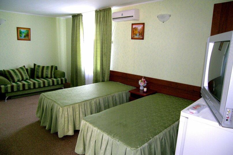 Пяти- шести местный номер, 2-й Черноморский переулок, 10, Витязево - Фотография 1