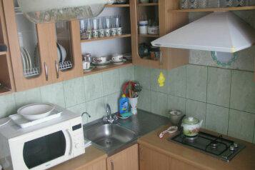 2-комн. квартира, 38 кв.м. на 3 человека, улица Истрашкина, 5, Судак - Фотография 2