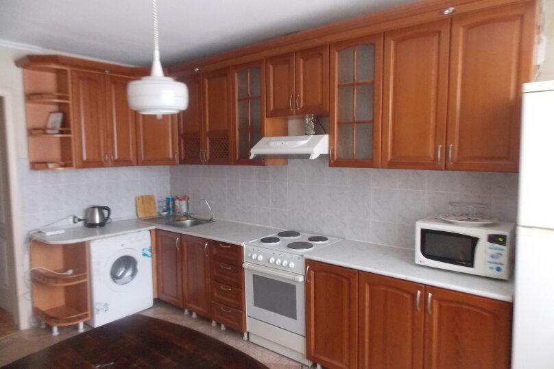 2-комн. квартира на 4 человека, улица Домостроителей, 26, Тюмень - Фотография 3