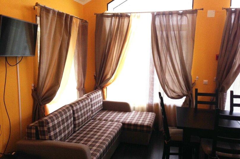 Одноэтажный дом-шале с 2-мя спальнями, улица Баныкина, 19А, Тольятти - Фотография 2