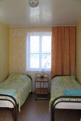 № 5 2х-местный(Эконом) 2 этаж:  Номер, 2-местный, Гостевой дом с мини-гостиницей, улица Свердлова на 8 номеров - Фотография 2