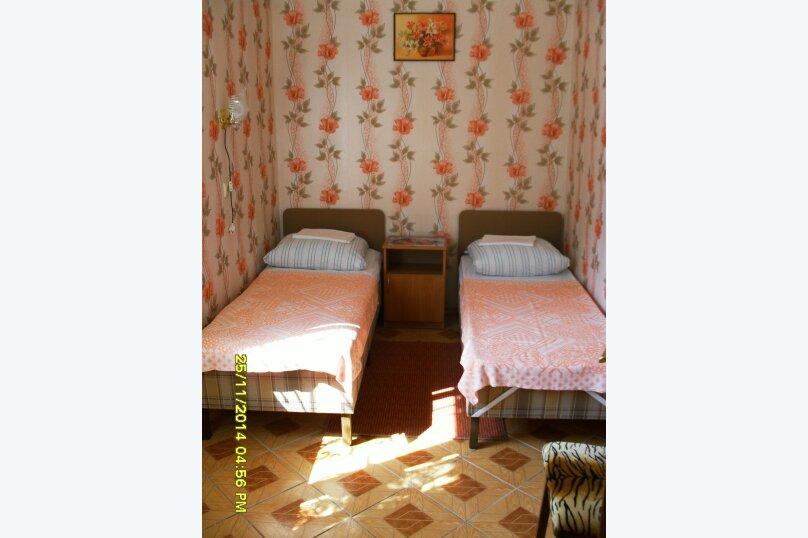 Дачный домик, 25 кв.м. на 5 человек, 2 спальни, Морская, 6, поселок Орджоникидзе, Феодосия - Фотография 15