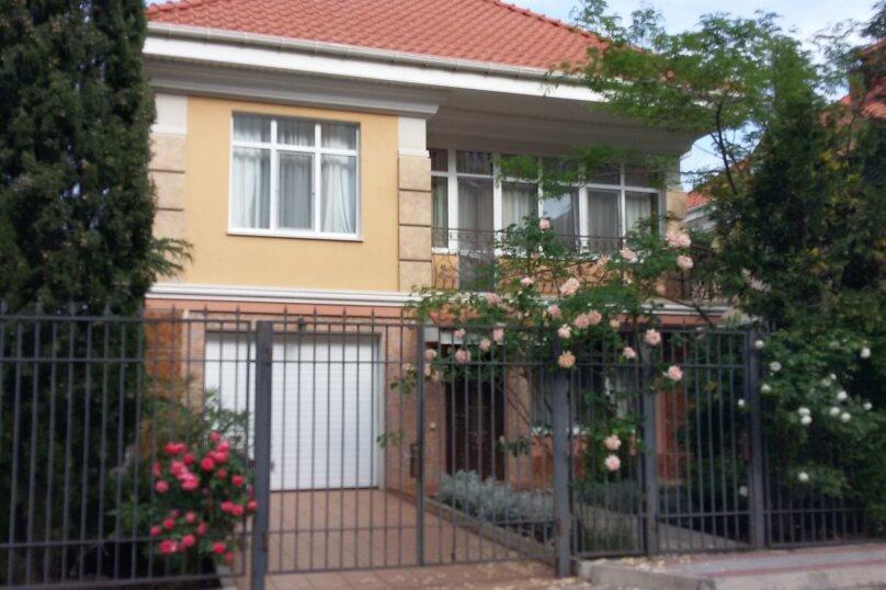 Дом, 250 кв.м. на 10 человек, 5 спален, Багрова, 10, Партенит - Фотография 1