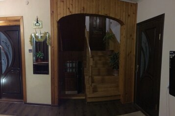 Просторный дом на 8-10 чел. с 4-мя спальнями большим холлом и кухней- столовой., 120 кв.м. на 10 человек, 4 спальни, мартынова, Морское - Фотография 4