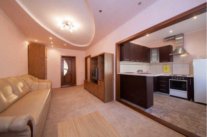 2-комн. квартира, 54 кв.м. на 4 человека, Бограда, 97, Красноярск - Фотография 1
