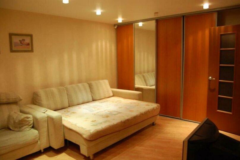 1-комн. квартира, 30 кв.м. на 2 человека, улица Энергетиков, 54, Тюмень - Фотография 2