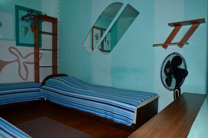 """Гостевой дом """"БРИЗ"""", Первомайский переулок, 4 на 12 комнат - Фотография 44"""