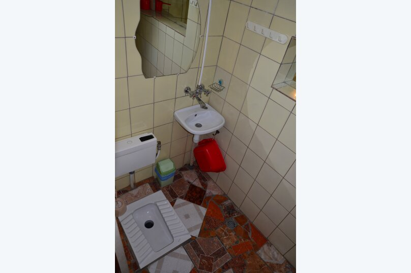 """Гостевой дом """"БРИЗ"""", Первомайский переулок, 4 на 12 комнат - Фотография 42"""