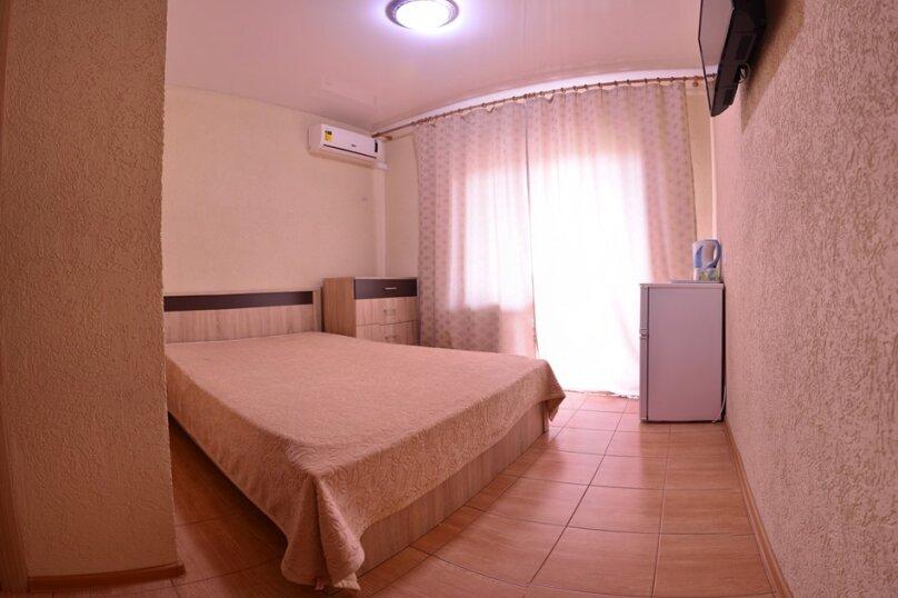 4-х местный 2-х комнатный С БАЛКОНОМ (21), Пролетарская улица, 41, Витязево - Фотография 1