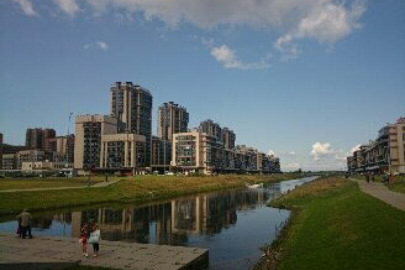 2-комн. квартира, 64 кв.м. на 6 человек, улица Адмирала Трибуца, 7, Санкт-Петербург - Фотография 1