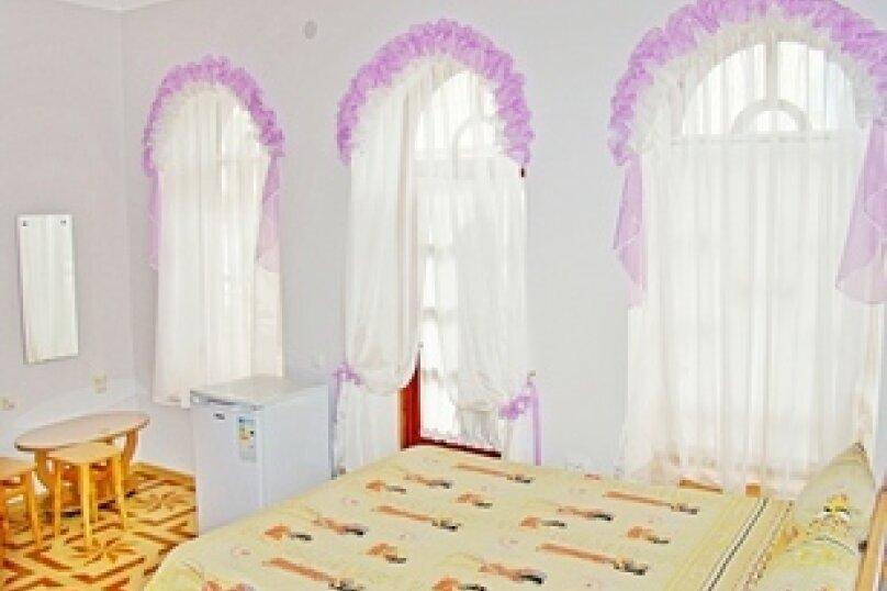Номер №1 - 2-х комнатный люкс, на шесть гостей, первый этаж, улица Спендиарова, 9, Судак - Фотография 1