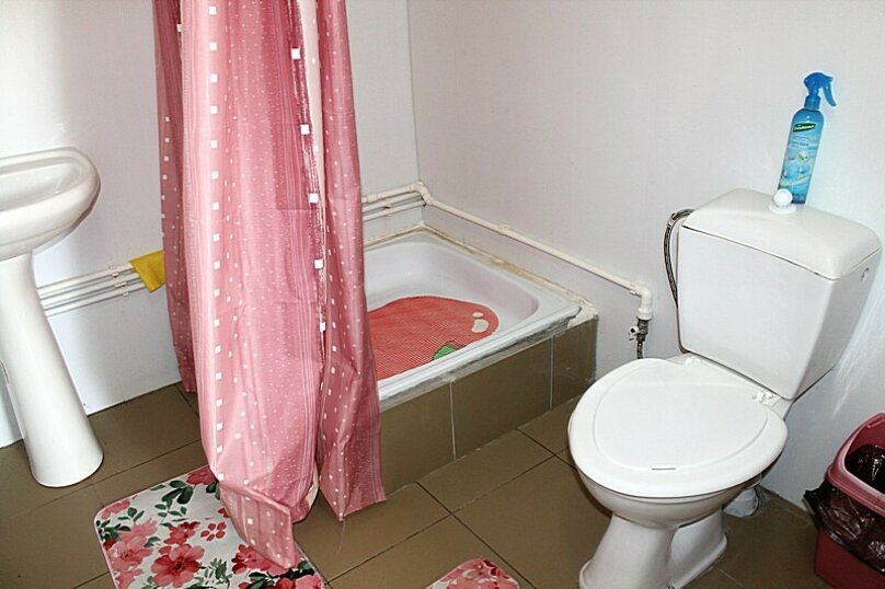"""Мини-отель """"На Красной 57"""", Красная, 57 на 3 комнаты - Фотография 4"""