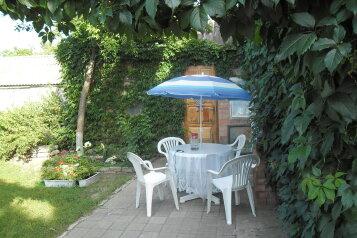 Сдам пол дома под ключ на 5 человек, 2 спальни, Ростовская улица, Ейск - Фотография 1