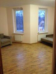 Дом посуточно, 315 кв.м. на 15 человек, 4 спальни, булатова, Калининград - Фотография 2