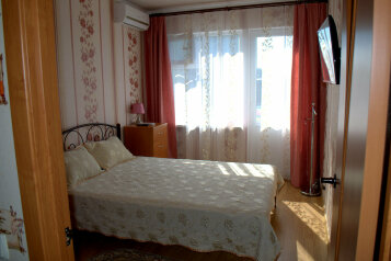 Коттедж, 65 кв.м. на 4 человека, 2 спальни, Соловьева, 30б, Гурзуф - Фотография 1